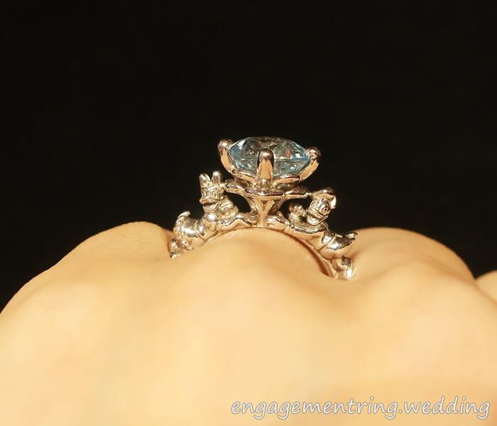 ケイウノのディズニーデザインの婚約指輪